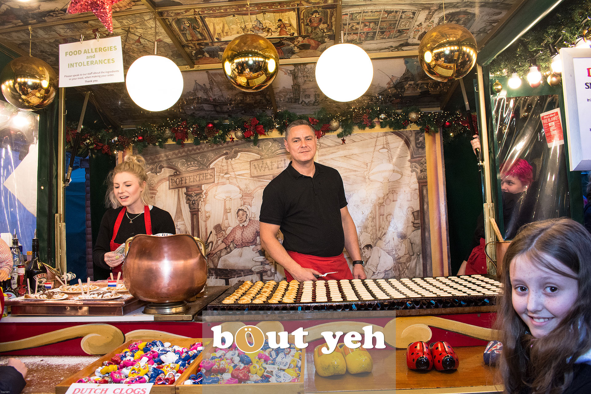 Dutch traders at Belfast Continental Christmas Market in Belfast - bout yeh photographers Belfast photo 3274.