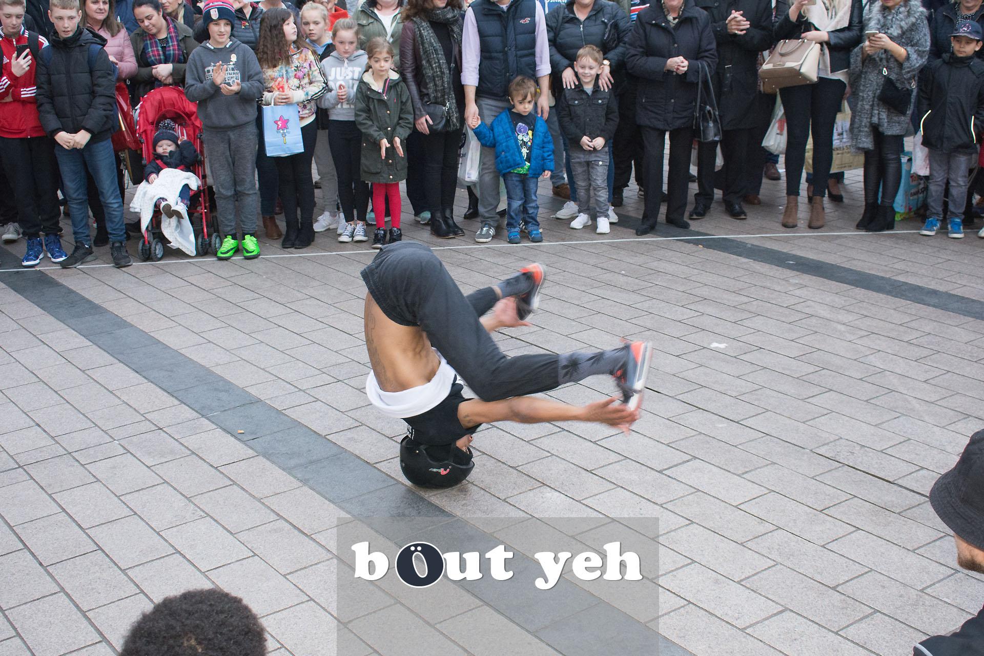 Street performers, Cornmarket, Belfast - photo 2774.