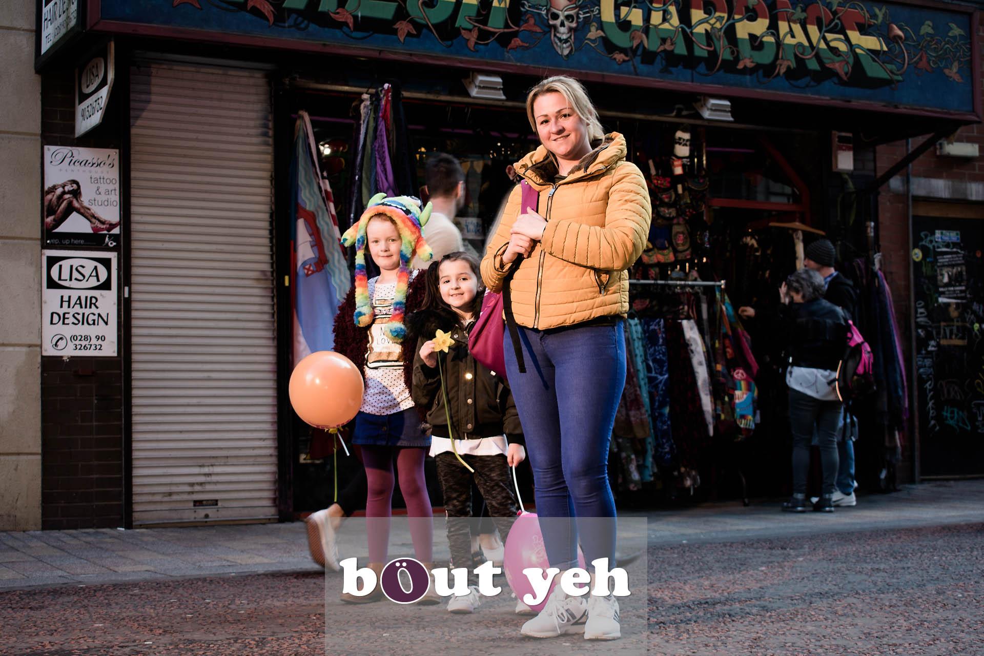 Andrea, Maya and Aliyah, Rosemary Street, Belfast - photo 4715.
