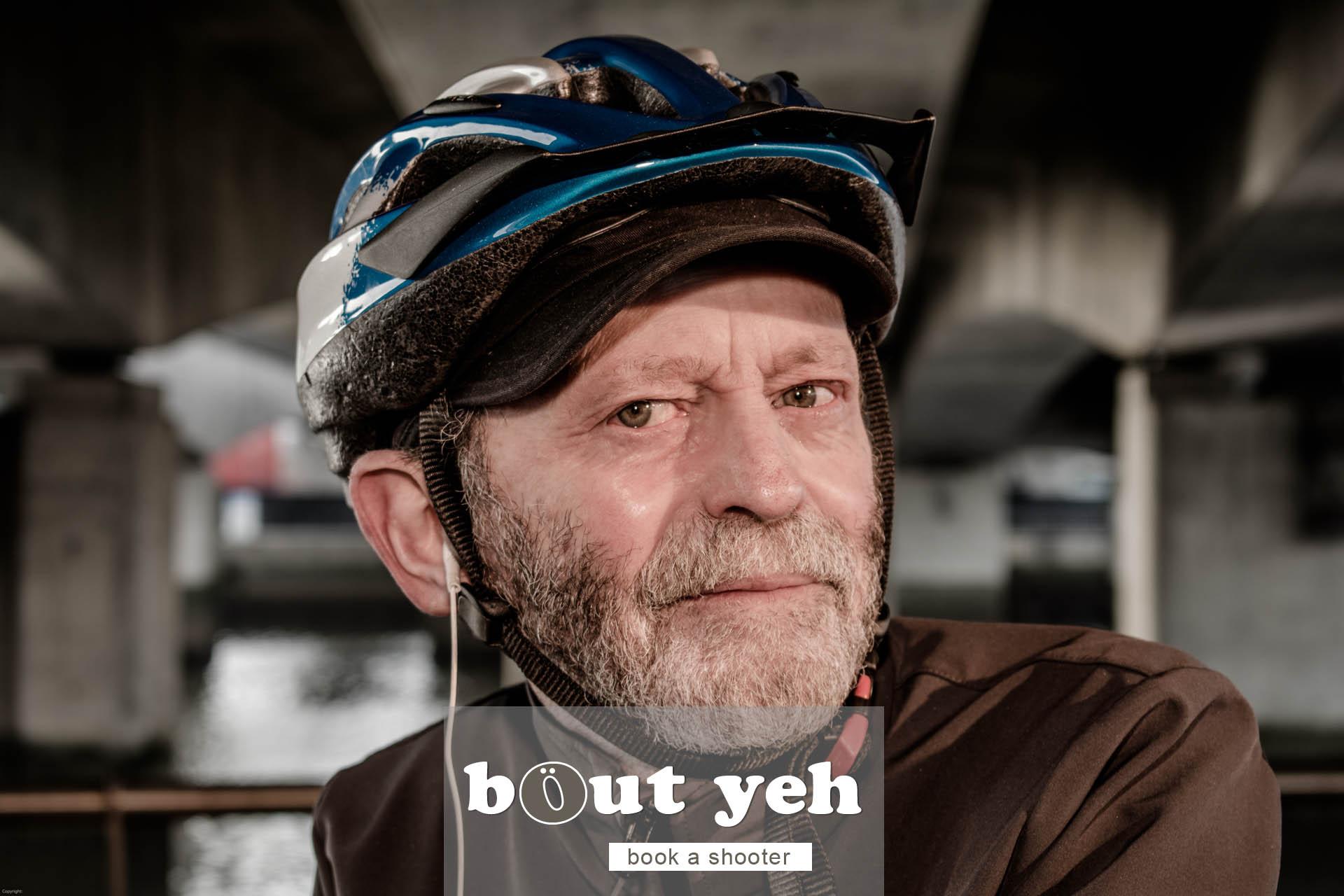 Jerry with bike under Dargan Bridge, Belfast - photo 5051.