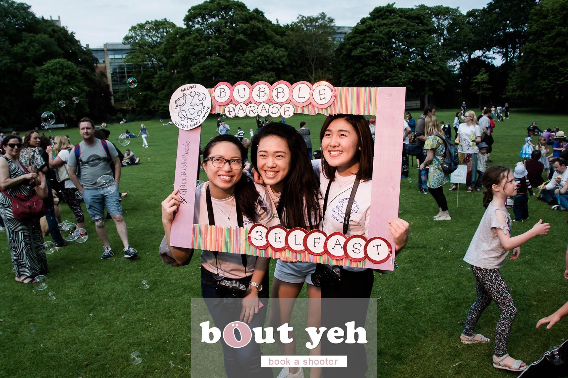 Jiexi, Liz and Gwendoline, Global Bubble Parade Belfast 2017 at Botanic Gardens, Belfast, Northern Ireland - photo 6849.