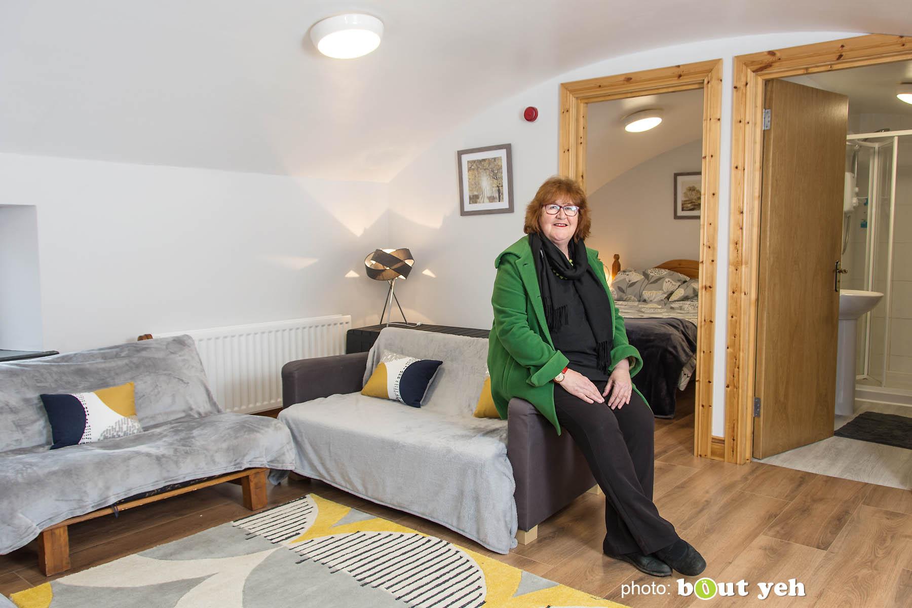 Liz Weir, Ballyeamon Barn Hostel, Glenariff, Northern Ireland - photo 1038.