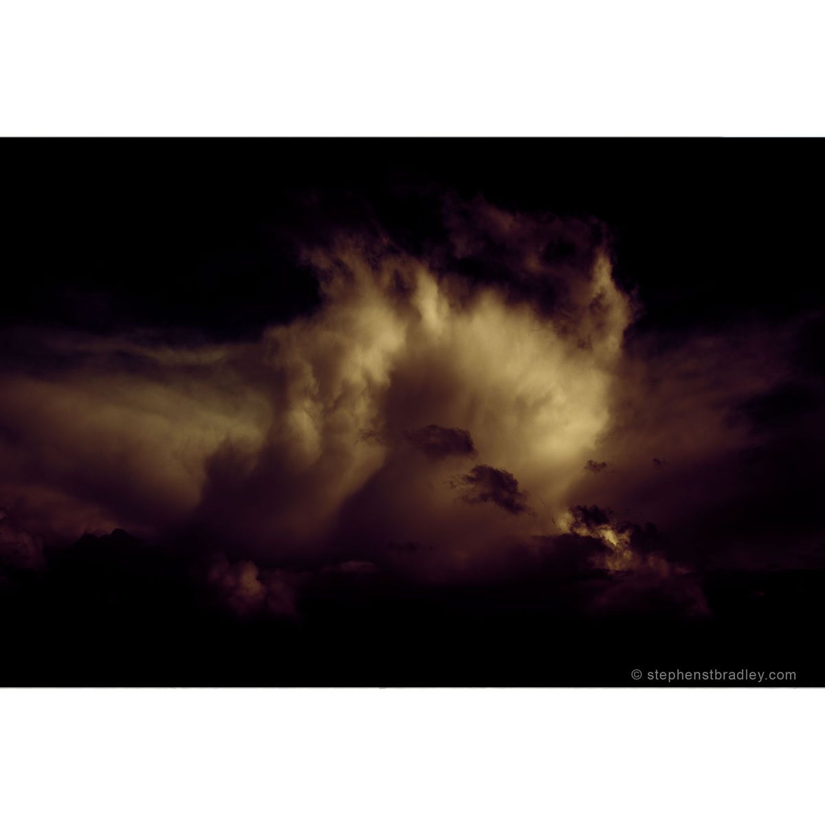 Loverly - limited edition photographic print by Stephen S T Bradley for sale by Bout Yeh