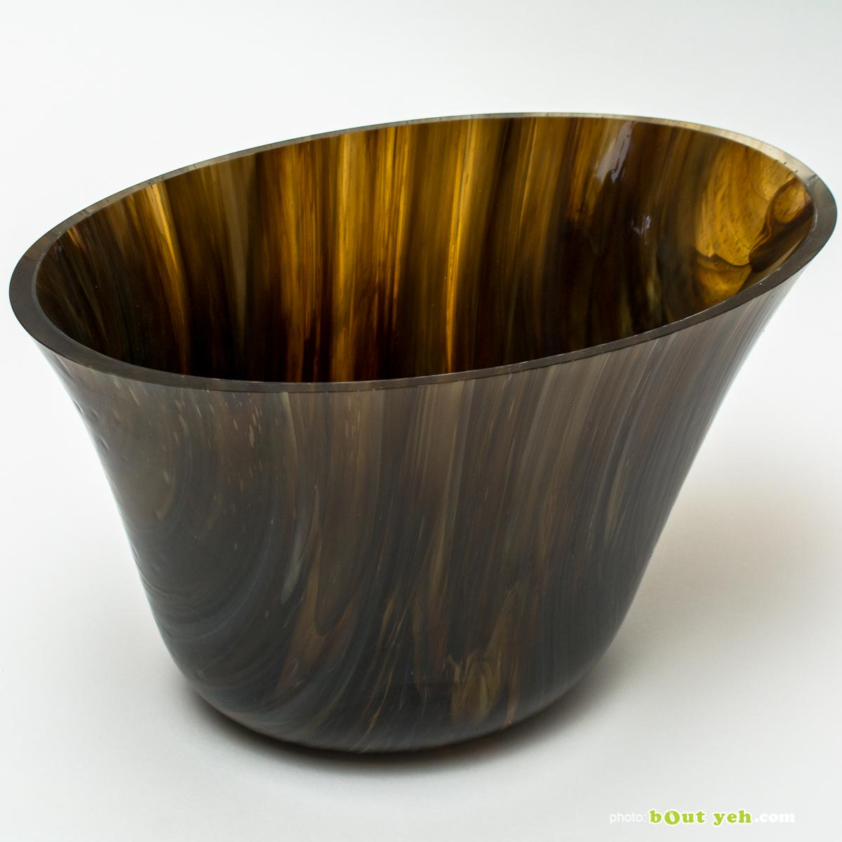 Bullseye eclipse bowl in streaky woodland brown, ivory and black, by Keith Sheppard Irish glassware - photo 1680