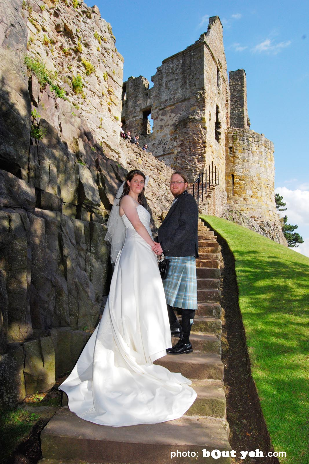 Davy and Niamh's wedding photographed by Bout Yeh wedding photographers and video services Belfast and Northern Ireland. Photo 2159